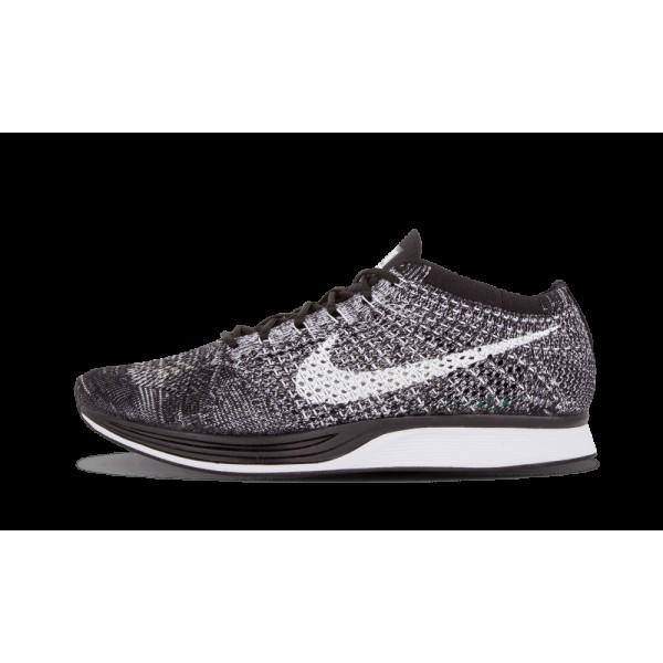 Nike Flyknit Racer Chaussure de running Noir/Blanc...