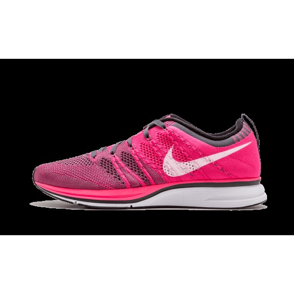 "Nike Flyknit Chaussure ""Rose Flash"" Rose..."