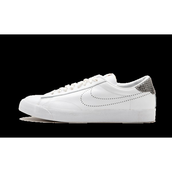 Nike Tennis Classic Fragment SP Blanche Gris 69350...