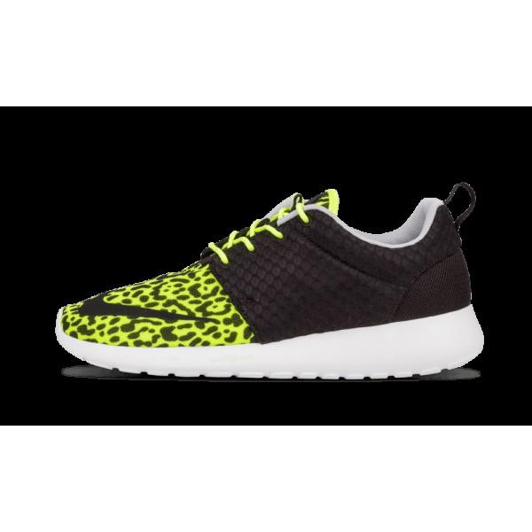 580573 701 Nike Roshe Run FB Volt Noir Blanche Cha...