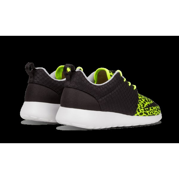 580573 701 Nike Roshe Run FB Volt Noir Blanche Chaussures For Men