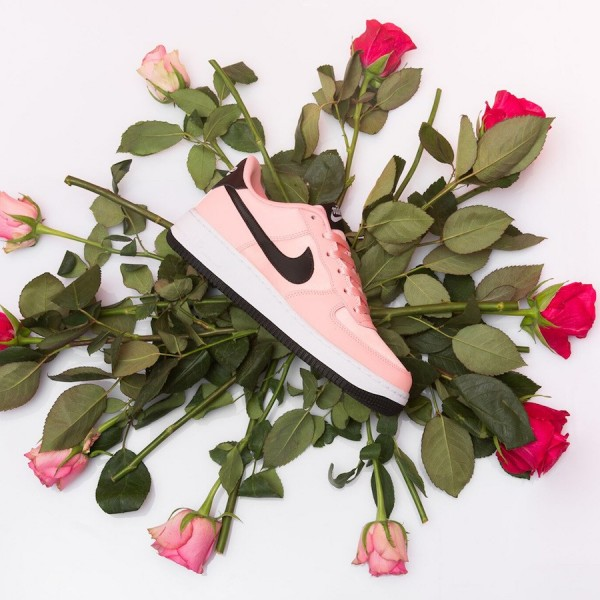 """Nike Air Force 1 Low """"Valentine's Day"""" P..."""